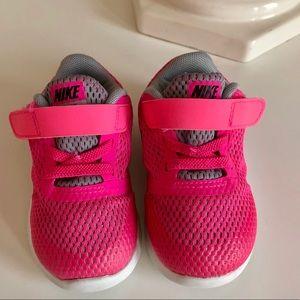 Toddler Nike pink sneakers